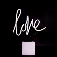 NEON light love